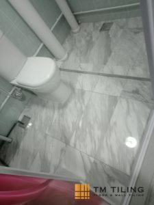 bathroom-renovation-overlaying-toilet-tile-replace-toilet-bowl-paint-tm-tiling-singapore-hdb-tiong-bahru-1_wm